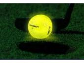 Nachtleuchtender Golfball