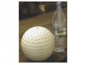 Riesiger Golfball
