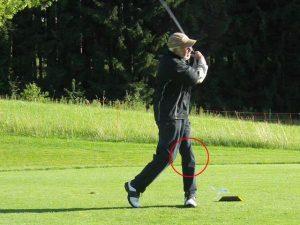Golfschwung Knie